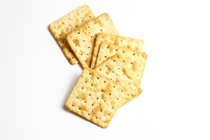 crackers  - 2 Minute Appetizer